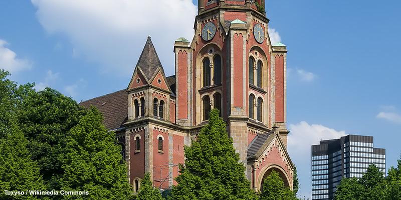 Ein Foto der Kreuzeskirche in Essen